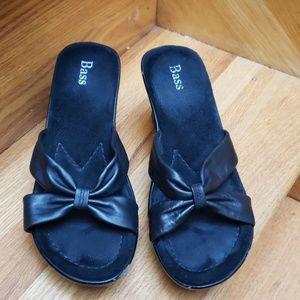 Bass sandal heels